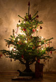 Julgranen med jul blänker bollar Royaltyfri Fotografi