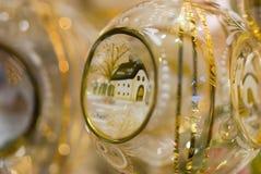 Julgrangarnering - handgjord glass boll Arkivfoton