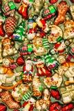 Julgrangarneringstruntsaker, leksaker och prydnader retro st royaltyfri bild