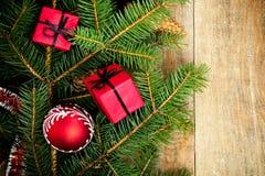 Julgrantree med garneringar Royaltyfria Bilder