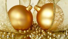 julguld smyckar par Royaltyfri Foto