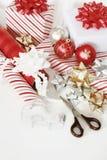julhjälpmedelinpackning arkivfoton