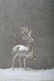 Julhjortar på grå bakgrund Arkivbilder