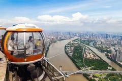 """Juli 2017 †""""Guangzhou, China - Bellentram op de bovenkant van Kantontoren in Guangzhou stock fotografie"""