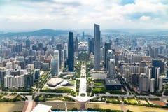 """Juli 2017 †""""Guangzhou, China - Weergeven van van Bedrijfs guangzhou centraal district en van de Parelrivier van het 488m observ royalty-vrije stock foto's"""