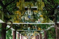 """Juli 2017 †""""Kaiping, China †""""behandelde overwelfde galerij in complexe de tuin van Li van Kaiping Diaolou royalty-vrije stock afbeeldingen"""