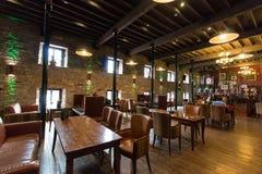 29. Juli 2017 Destillierapparat-Weg, Midleton, Co-Korken, Irland - Stange innerhalb Jameson Experiences Lizenzfreies Stockbild