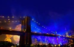 4. Juli 2014 Feuerwerke Brooklyn-Brücke Manhattan Stockbild