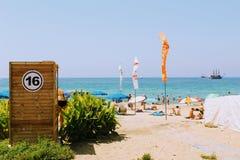 Juli 2017 - Kabine für das Ändern kleidet auf Cleopatra Beach Alanya, die Türkei Stockfotografie