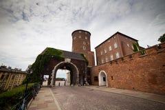 10 Juli 2017, Krakow - Wawel slott på dagen, Wawel kulle med cathed Arkivbild