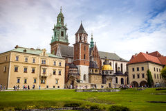 10 Juli 2017, Krakow - Wawel slott på dagen, Wawel kulle med cathed Arkivfoton