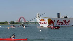 26. JULI 2015 MOSKAU: Roter Stier flugtag Tag stock video