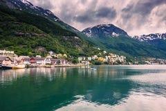 21 juli, 2015: Panorama van de stad van Odda, Noorwegen Stock Fotografie