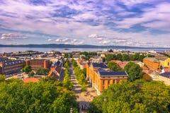 28 juli, 2015: Panorama van Trondheim van Nidaros-Kathedraal, Noorwegen Royalty-vrije Stock Foto