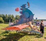 Juli 26, 2015 Red Bull Flugtag För konkurrensstarterna Royaltyfri Bild