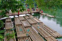 15,2017 juli rit op vlot bij de rivier in villaescudero, Laguna Royalty-vrije Stock Fotografie