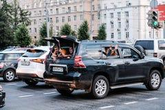 Juli 1st 2018, Moskva, Ryssland Ryska supportrar firar Arkivbild