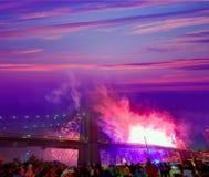 Juli 4th Brooklyn för 2014 fyrverkerier bro Manhattan Arkivfoto