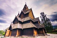 18 juli, 2015: Voorgevel van Heddal Stave Church in Telemark, Noorwegen Stock Foto
