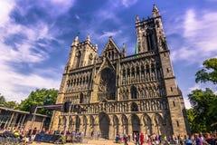 28. Juli 2015: Vorderansicht von Nidaros-Kathedrale in Trondheim Lizenzfreie Stockbilder