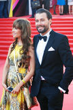 Julia Beretta en Daniil Fedorov bij de Filmfestival van Moskou Stock Foto