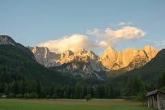 Julian Alps med storartade Spik Arkivfoto