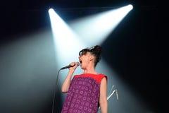 Julie Ruin (musikband) utför på den Primavera ljudfestivalen 2015 Royaltyfri Bild