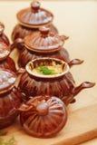 Julienne nel cocotte ceramico Fotografia Stock