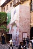 Juliet balkongreparation i Verona, Italien Royaltyfria Foton