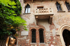 Juliet's balcony and Juliet statue - Verona in Italy Royalty Free Stock Images