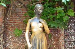 Juliet staty i Verona Italy royaltyfri fotografi