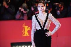 "Juliette Binoche присутствует на ""доброте незнакомцев стоковые фото"
