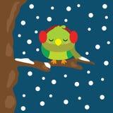 Julillustration med gulliga fågelsömnar på snöfall på nattbakgrund som är passande för säsong för Xmas-ungehälsning, tapet, och Vektor Illustrationer