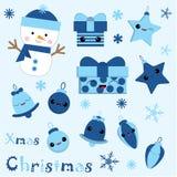 Julillustrationen med den gulliga snögubben, klockan, gåvan, stjärnan och Xmas-prydnader på blått färgar passande för barnXmas-kl Arkivbild
