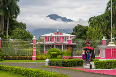 Julio 15,2017 en el jardín en el escudero del chalet, Laguna, Philippi fotos de archivo libres de regalías