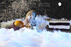 Julkaka med leksakgarnering Feriebegrepp för nytt år Royaltyfria Foton