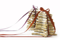 Julkakor som binds av röda band. Royaltyfri Fotografi