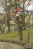 Julklappar på träden i Riga Royaltyfria Foton