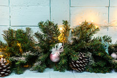 Julkort med den prydliga filialen och bulan Arkivbilder