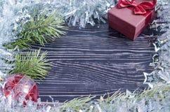 Julkort med en ask och en filial av den prydliga sikten för bästa sida av Kopi utrymme arkivfoton
