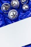 Julkort med garneringar arkivfoto