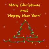 Julkort med girlanden på röd bakgrund Fotografering för Bildbyråer