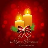 Julkort med stearinljus på skinande bakgrund Arkivbilder