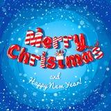 Julkortaffischbaner med isbokstäver, granfilialer, gåvor och godisar på en röd bakgrund Arkivfoton