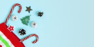 Julkortbegrepp med fritt utrymme för att hälsa bokstäver royaltyfri foto