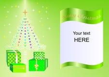 Julkortet som dekoreras med Xmas-trädet, bollar och gåvaaskar gör grön ing2 Royaltyfri Foto
