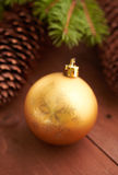 Julkottar och leksaker på tabellen Fotografering för Bildbyråer