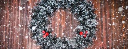 Julkran på en träbakgrund Royaltyfri Bild