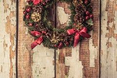 Julkran på wood bakgrund Fotografering för Bildbyråer