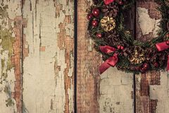 Julkran på wood bakgrund Royaltyfri Fotografi